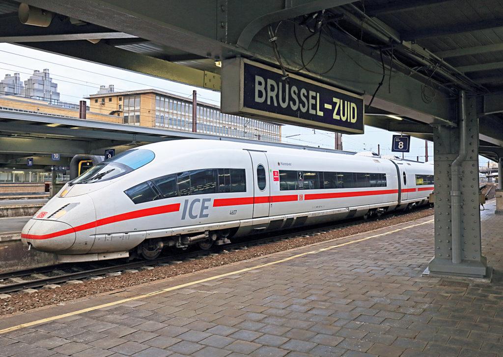 ICE im Bahnhof Brüssel Midi
