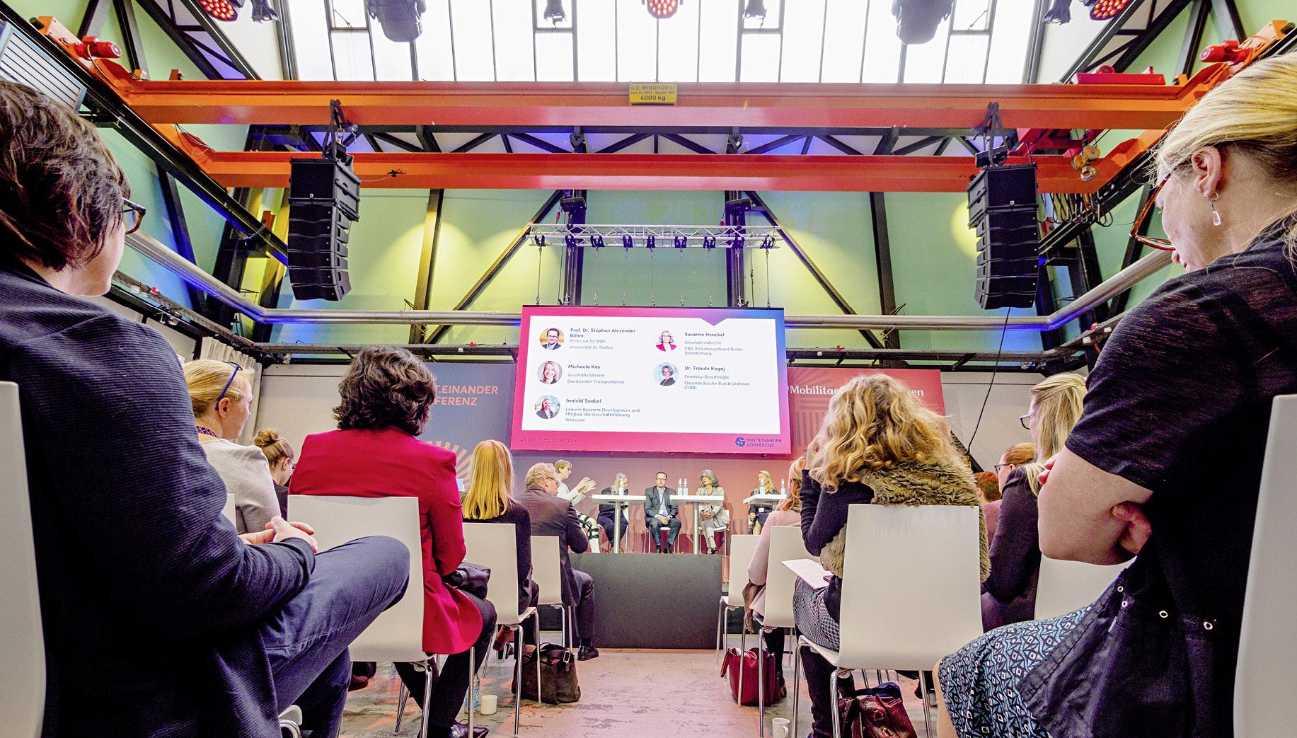 """Konferenz """"MINT.einander"""": Der Tagungssaal auf dem Euref-Campus in Berlin"""