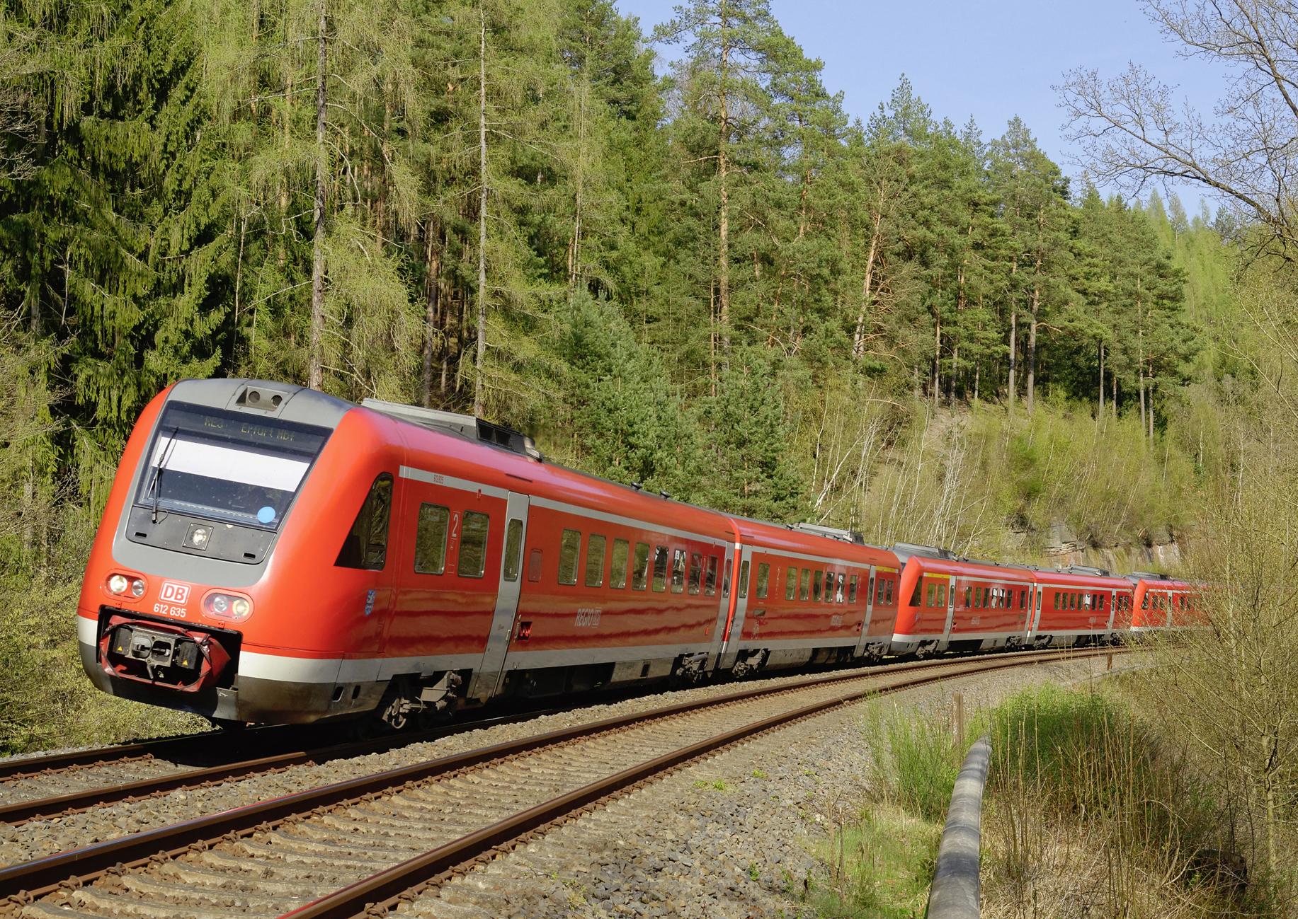 Regio-Zug in der Kurve