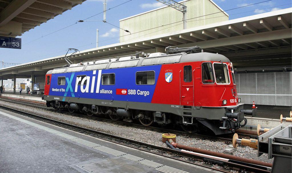 Lokomotive von SBB Cargo mit Xrail-Schriftzug