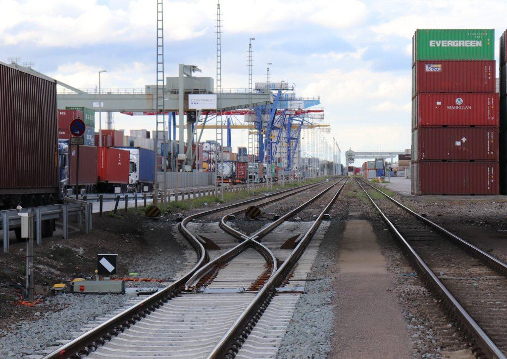 Schienenanschluss an einer Containerverladestelle