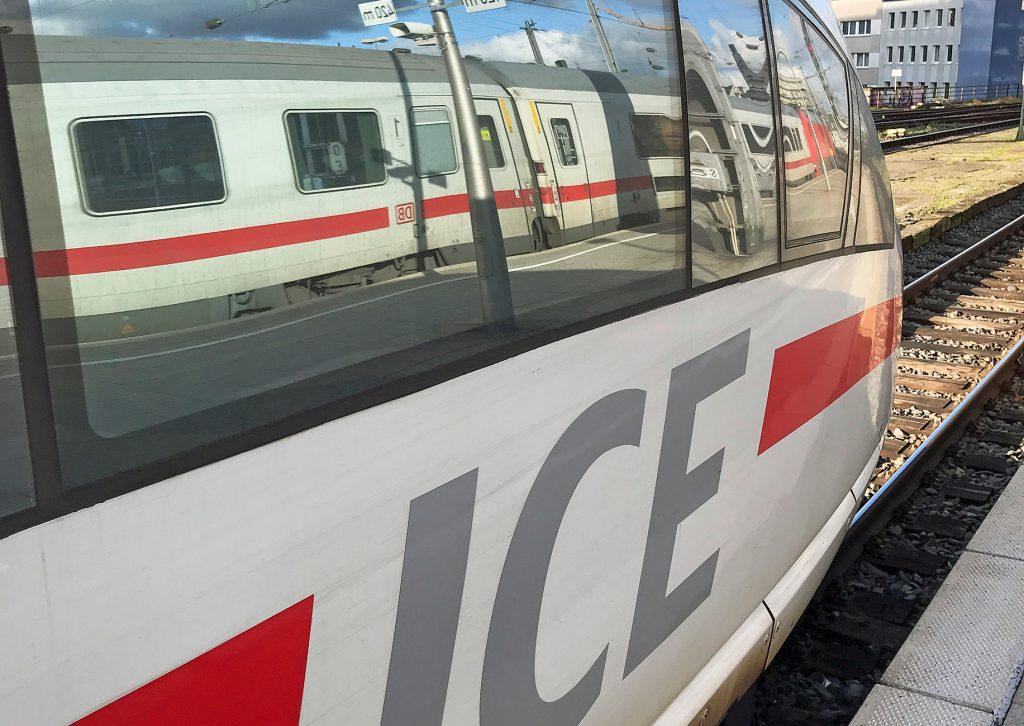 IC spiegelt sich in ICE