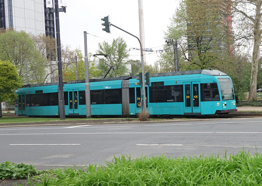 Tram in Frankfurt/Main unterwegs