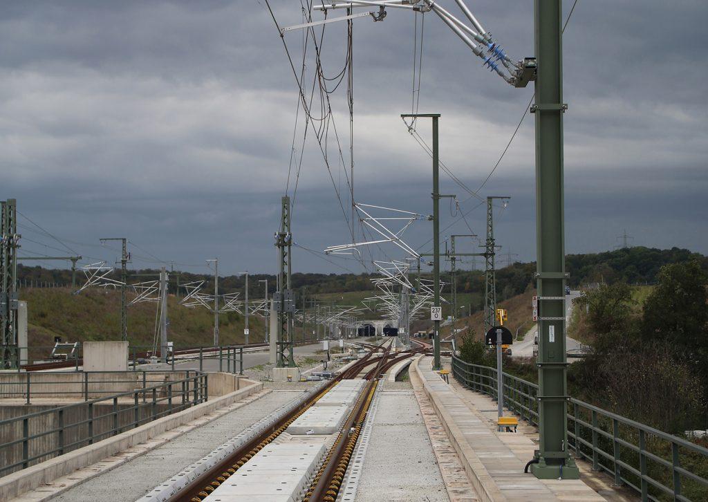 Neubau einer Bahnstrecke mit Oberleitung