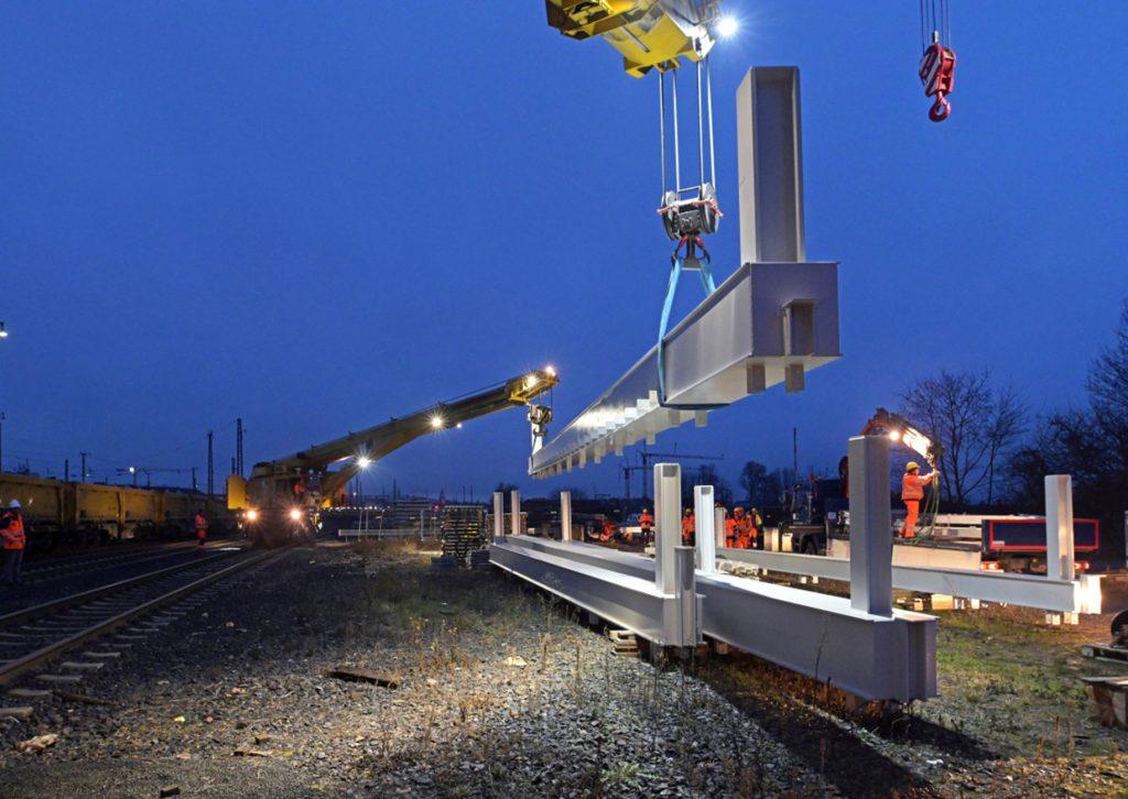 Bahnbaustelle bei Nacht