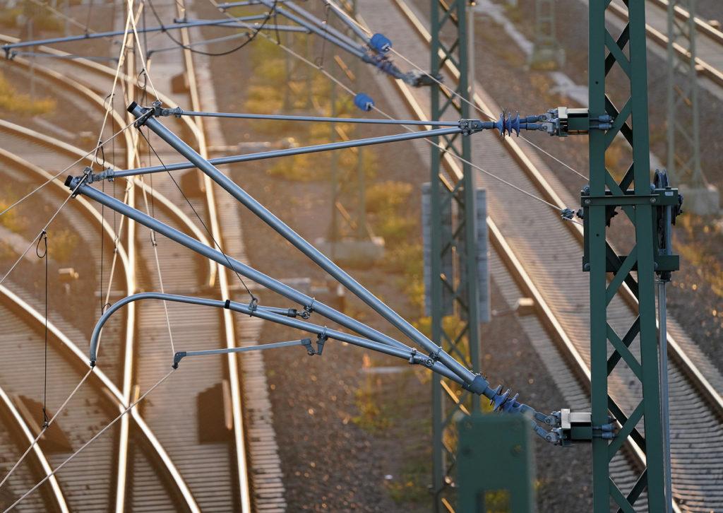 Fahrleitungsanlage im Bereich Knoten Halle Saale Hbf